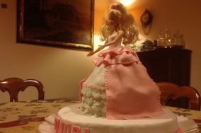 preparare-una-torta-di-barbie